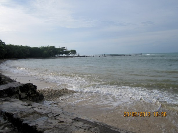 Pantai di Beach Club yang kami lihat,