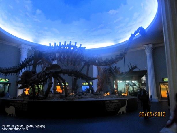 Mirip dinosaurus yang ni Night At The Museum kan?