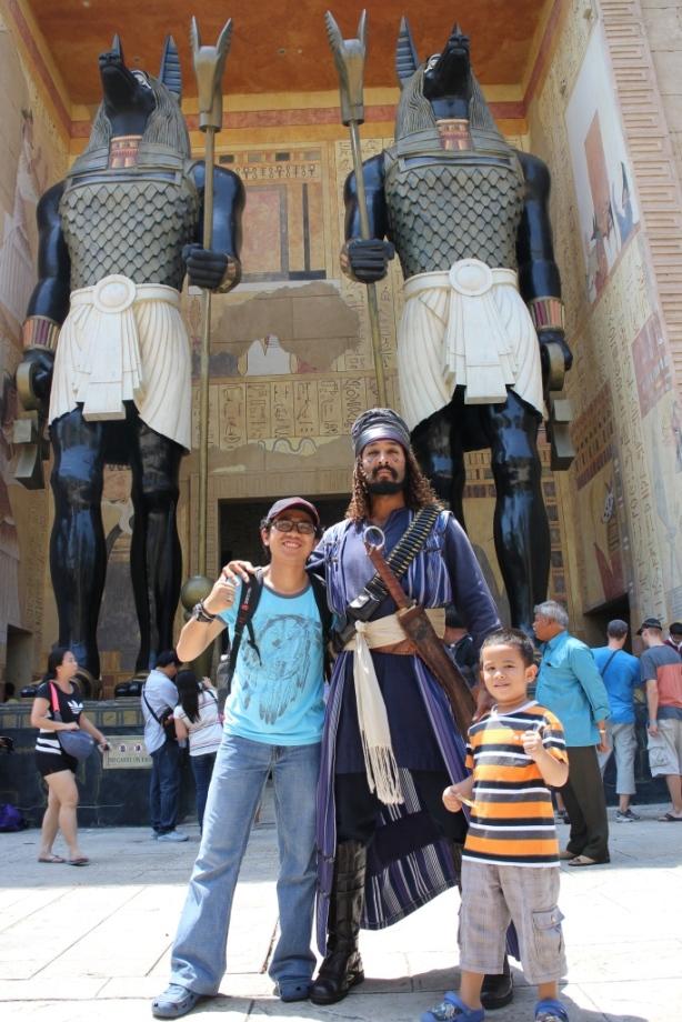 Saya yang kepengen cobain wahana Mummy, kenapa malah yang difoto ayah dan Alif ya..rugii akuuu