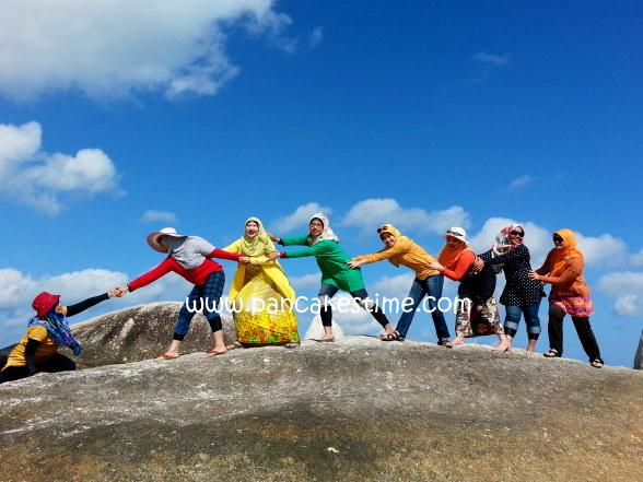 1 petik foto di bebatuan island hop