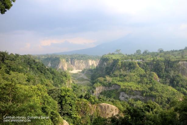 Lembah Harau, dilihat dari atas. Baguuus.